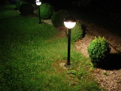 Installer un clairage ext rieur de jardin for Eclairage led exterieur de jardin
