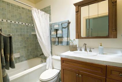 pare baignoire installer un pare baignoire. Black Bedroom Furniture Sets. Home Design Ideas