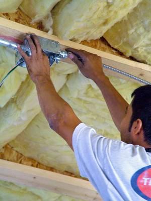 Isolation thermique de la toiture d 39 une maison for Isolation thermique sous toiture