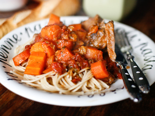 Jarret de veau entier mijot aux tomates et aux agrumes - Comment cuisiner le jarret de veau ...