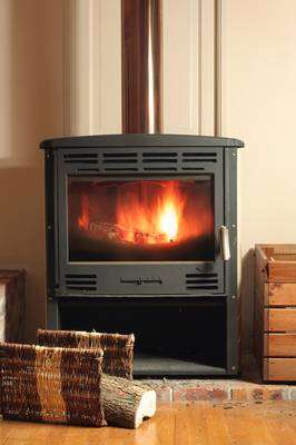 chauffage au bois po le chaudi re ou chemin e. Black Bedroom Furniture Sets. Home Design Ideas