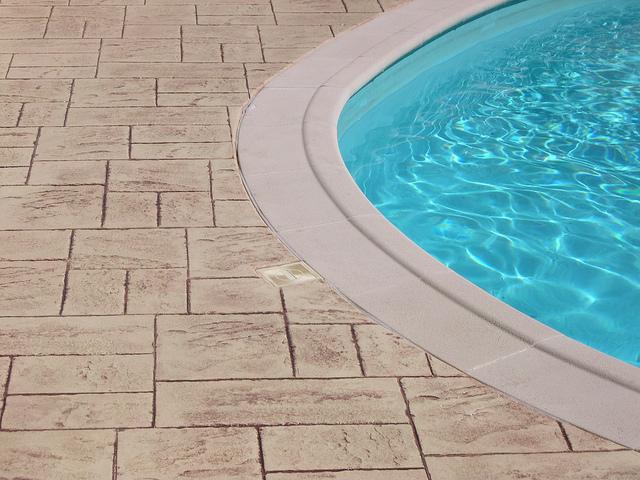 Mod les de piscines faire les bons choix budget for Budget piscine