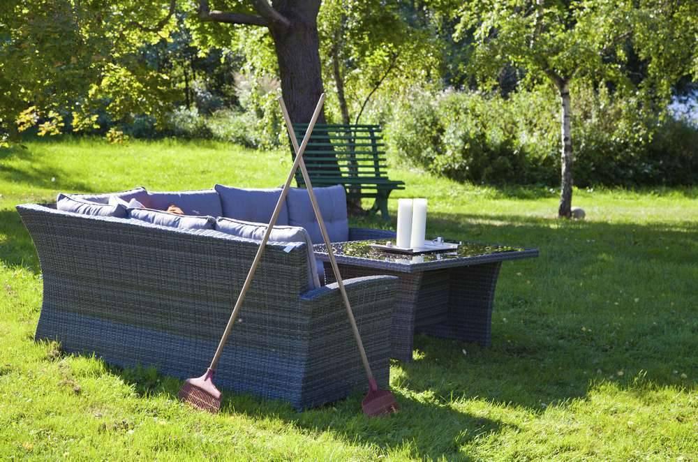 meubles de jardin comment les nettoyer. Black Bedroom Furniture Sets. Home Design Ideas