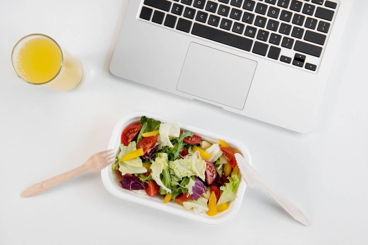 Pause d jeuner au bureau comment occuper ce moment de d tente - Boite pour dejeuner au bureau ...