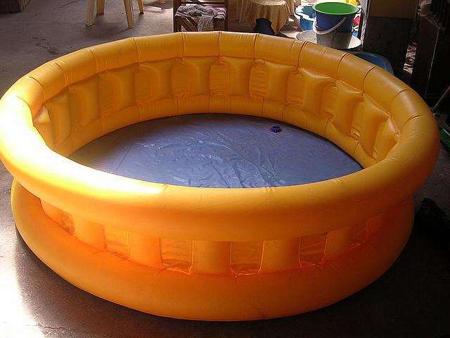 piscine gonflable aide au choix budget types infos. Black Bedroom Furniture Sets. Home Design Ideas