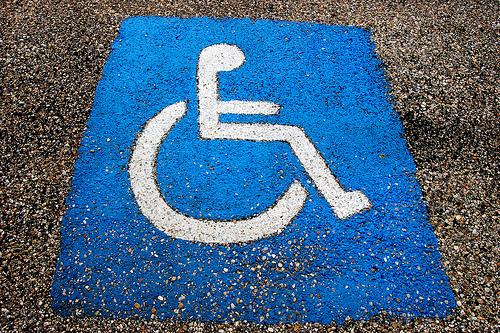 le stationnement bient t gratuit pour les personnes handicap es. Black Bedroom Furniture Sets. Home Design Ideas