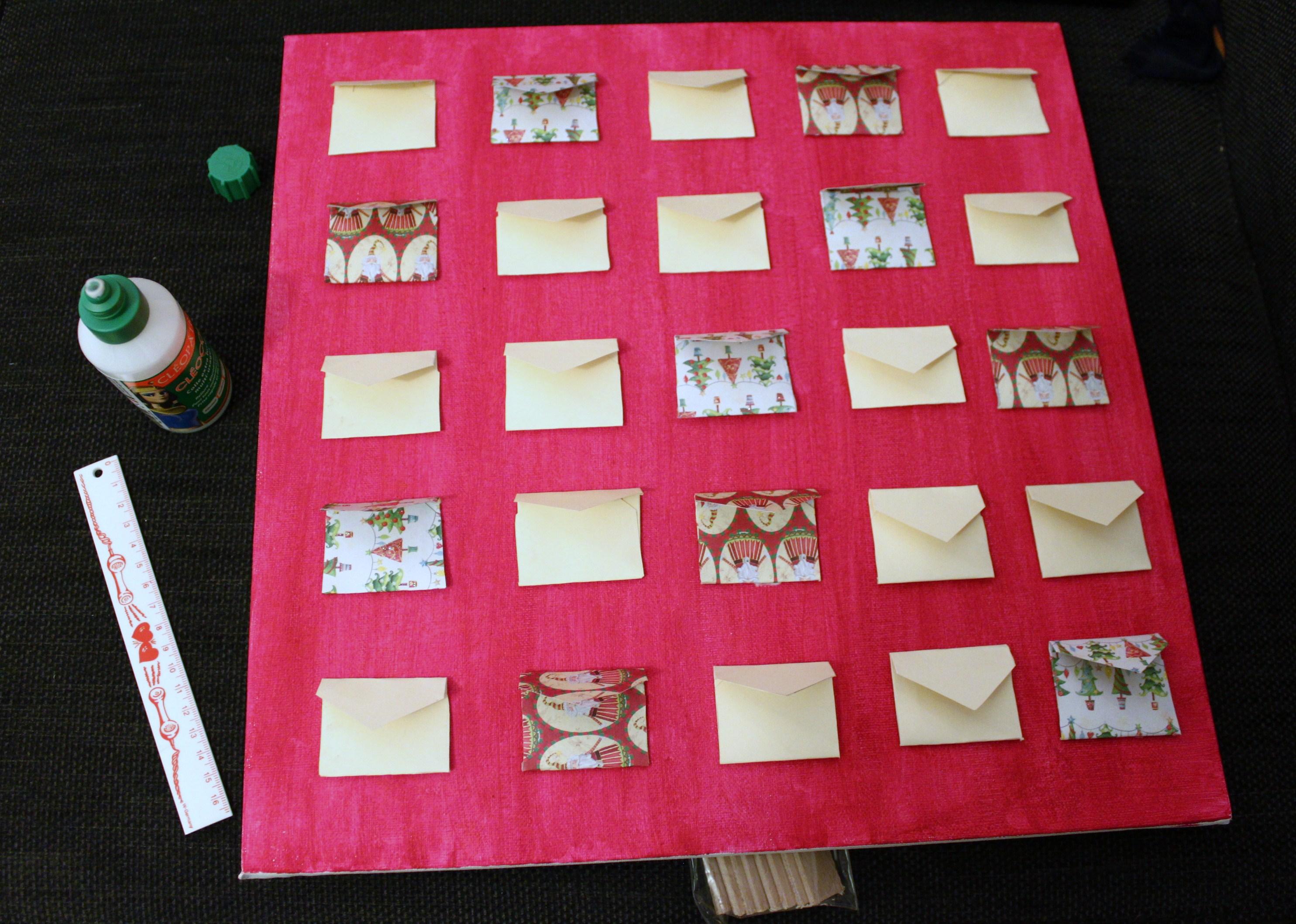 fabrication calendrier de l avent kit fabrication d 39 un calendrier de l 39 avent tiniloo. Black Bedroom Furniture Sets. Home Design Ideas