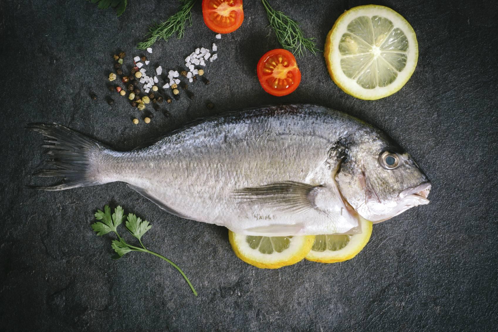 Idees recues sur poisson for Faux poisson rouge