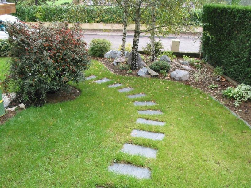 pas japonais comment poser des pas japonais dans son jardin. Black Bedroom Furniture Sets. Home Design Ideas