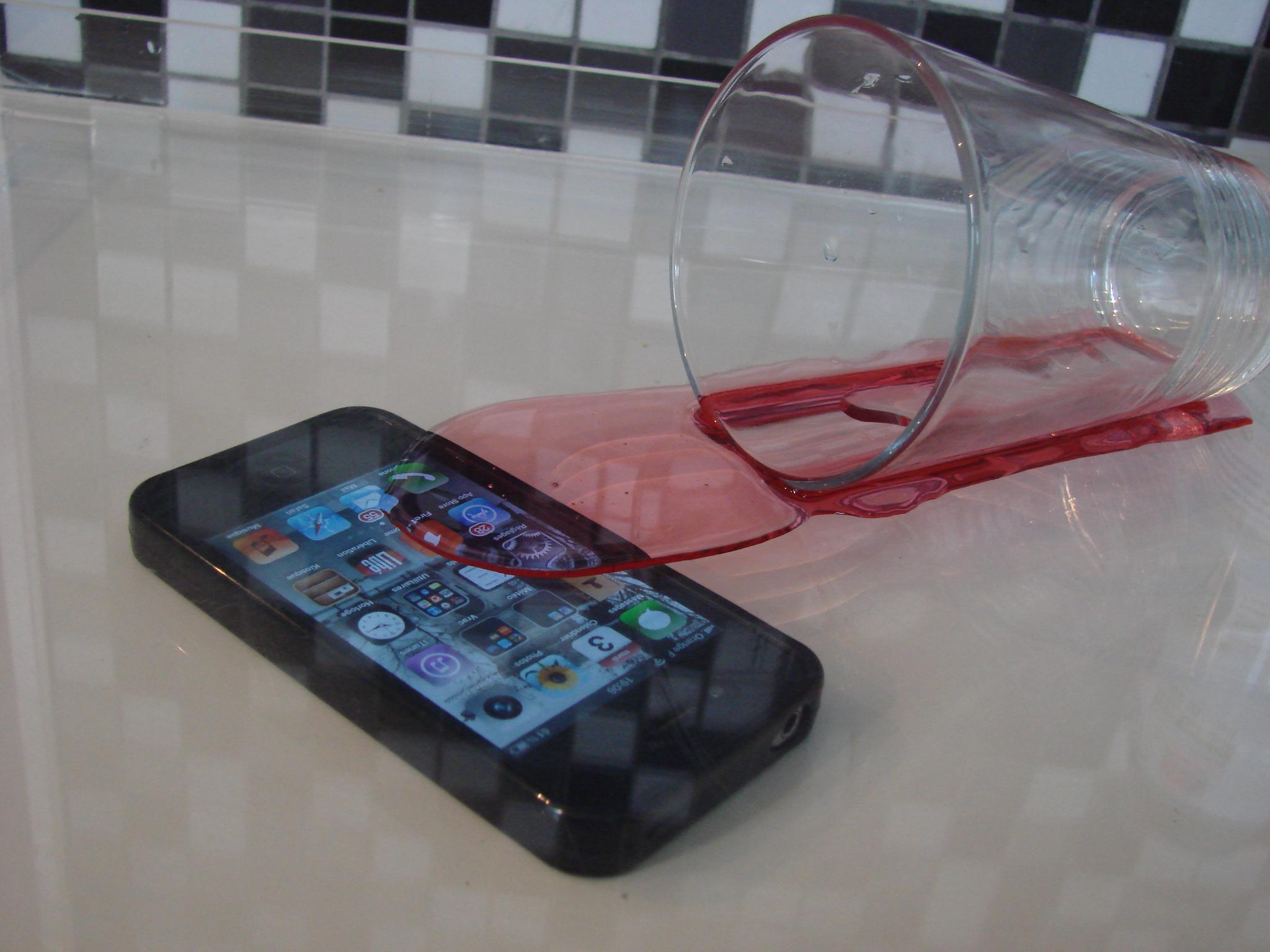 Iphone  Tombe Dans L Eau Que Faire