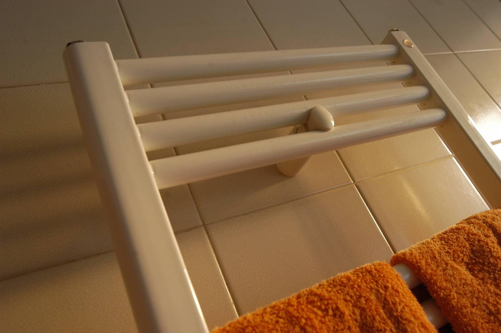 les avantages du radiateur lectrique s che serviettes. Black Bedroom Furniture Sets. Home Design Ideas