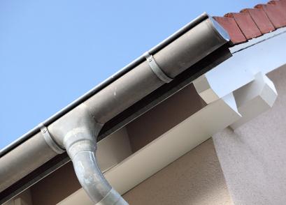 Goutti re remplacer un tuyau de descente - Comment decoller un tuyau pvc ...