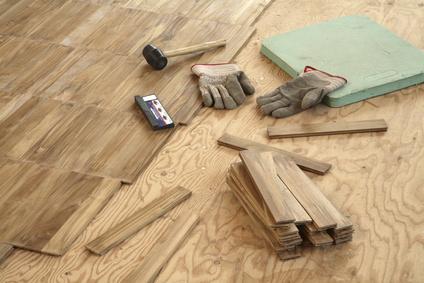 r novation de parquet r parer un parquet massif. Black Bedroom Furniture Sets. Home Design Ideas
