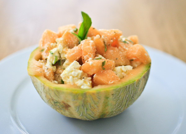 recette de la salade de melon la feta et au basilic. Black Bedroom Furniture Sets. Home Design Ideas