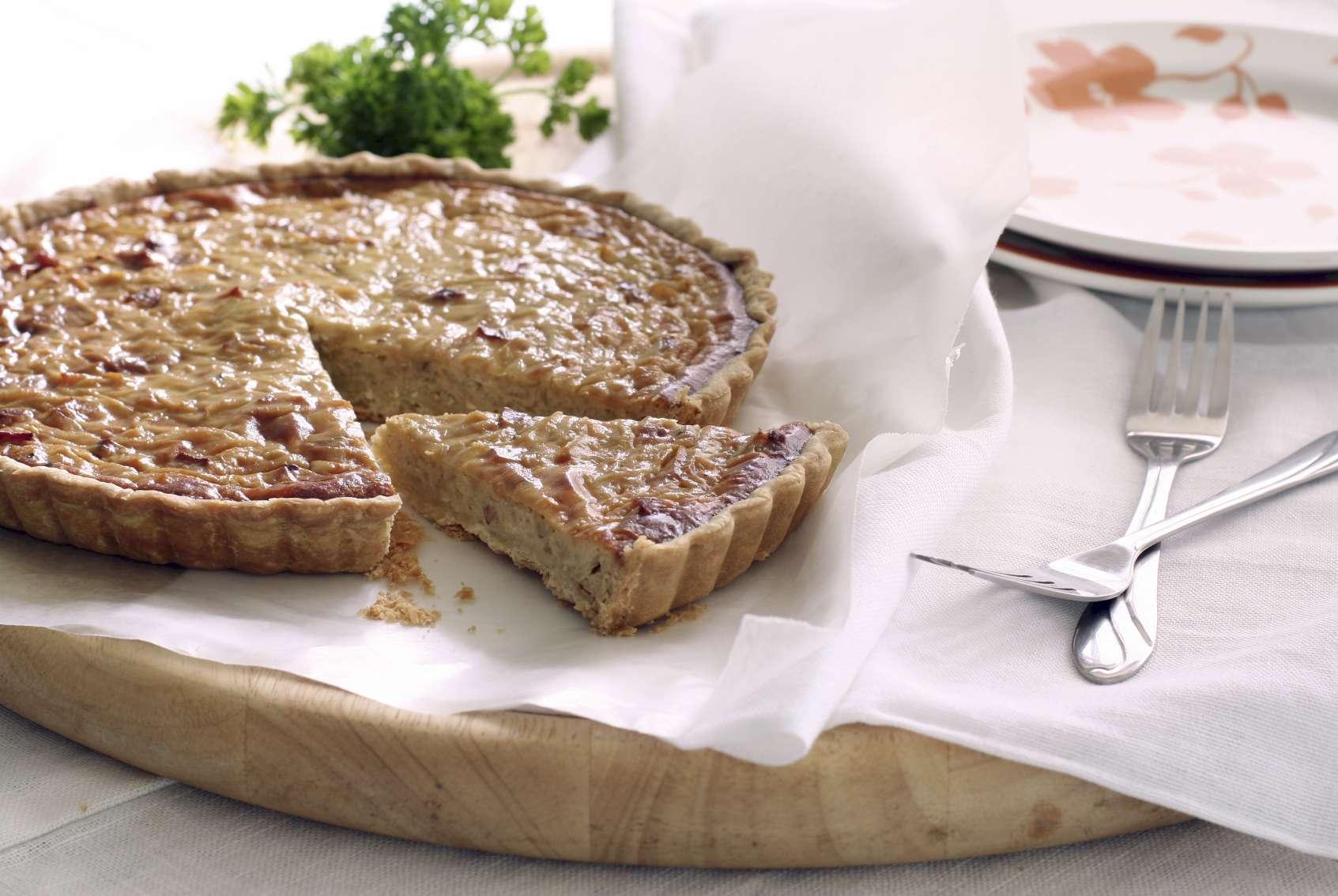 Recette de la tarte aux oignons caramélisés | Pratique.fr