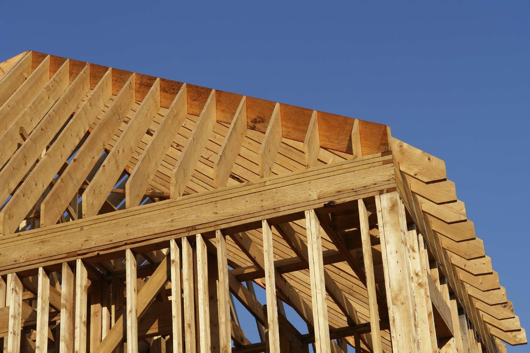 Installation d 39 une charpente budget aide au choix et infos for Budget toiture