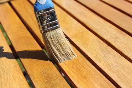 Traitement du bois comment bien traiter le bois - Traiter une terrasse en bois ...