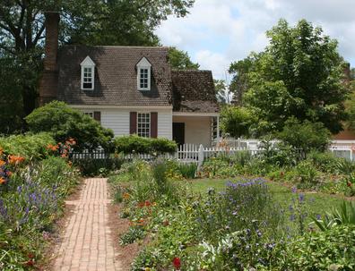 Jardinage en avril travaux du jardin au mois d 39 avril for Calendrier entretien jardin